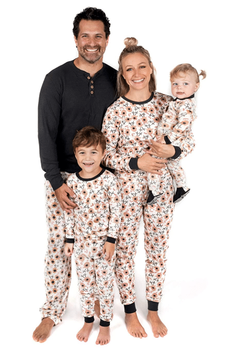 Burt S Bees Organic Holiday Pajamas Starting At 10 Today Only On Amazon Baby Toddler Kids And Adult Sizes All Natural Savings